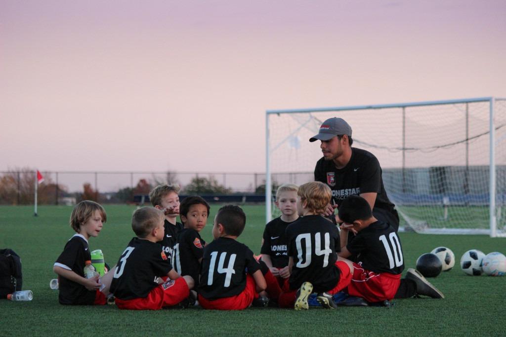 Fussball-Training mit Kindern